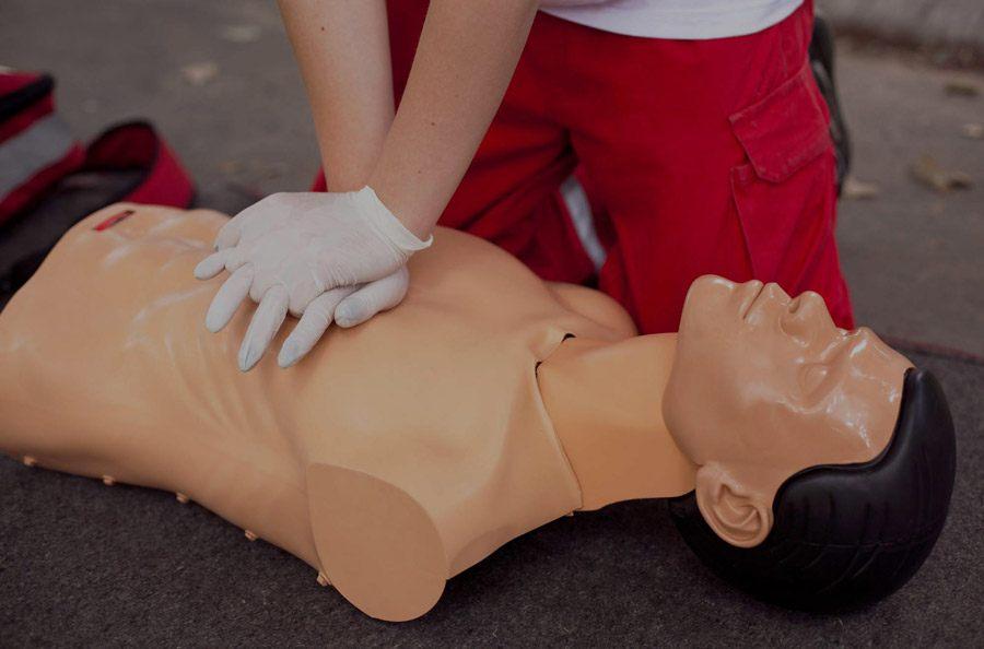 Førstehjælp og brandbekæmpelseskurser